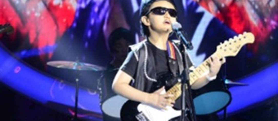 Alonzo Muhlach as Mike Hanopol in Your Face Sounds Familiar Kids