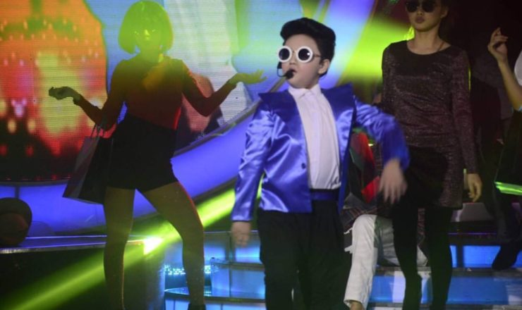 Alonzo Muhlach as Psy in Your Face Sounds Familiar Kids