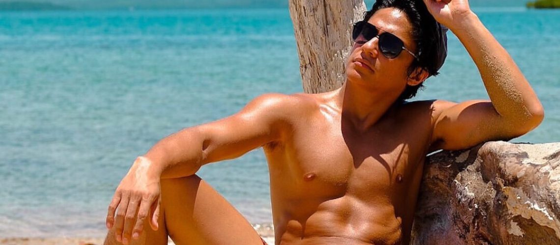 Matthias Rhoads chills in Palawan