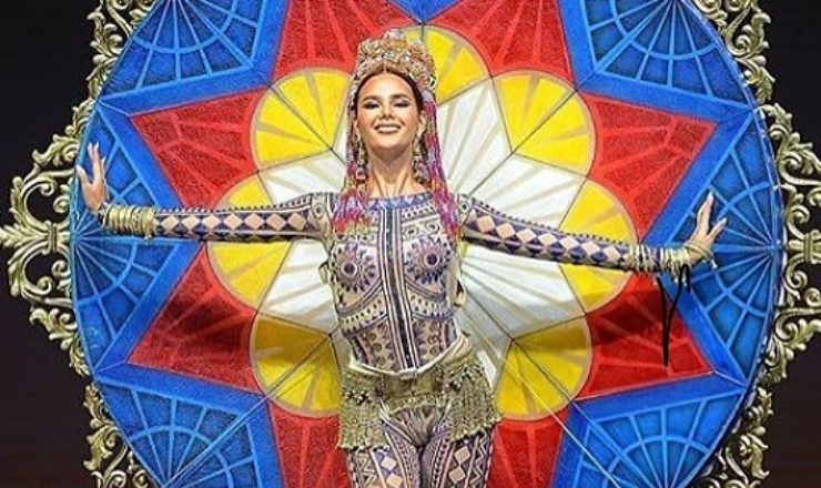 Catriona Gray of the Philippines wins Miss Universe 2018